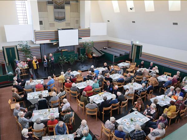 DGA - Ouderenmiddag - Kerkzaal - Foto600x450